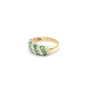 Smaragd met diamanten ring