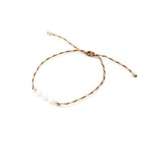 leuke armband met parels en gouden bolletjes